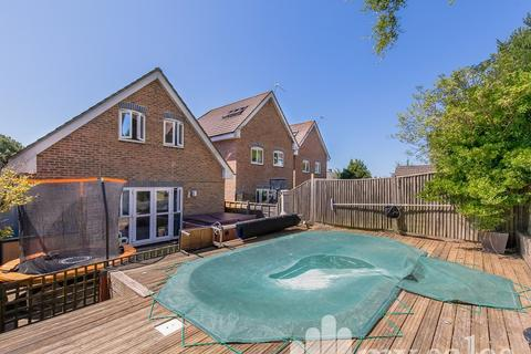 3 bedroom detached house for sale - Tangmere Place, Tangmere Road, Brighton, East Sussex.