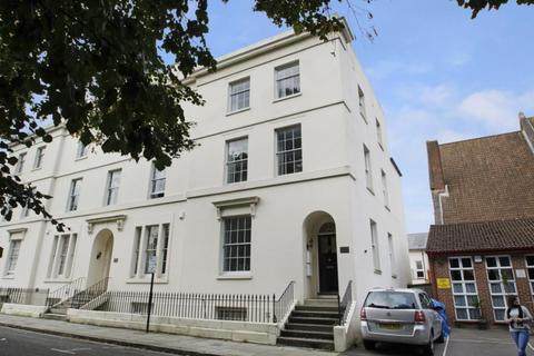 4 bedroom maisonette to rent - Rockstone Place, Southampton, Hampshire, SO15