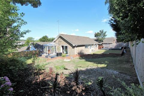 3 bedroom detached bungalow for sale - Fairlie Gardens, Brighton