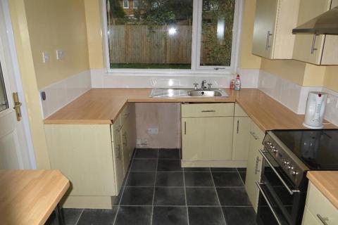 3 bedroom semi-detached house to rent - Stewart Garth, Cottingham, HU16 5YQ