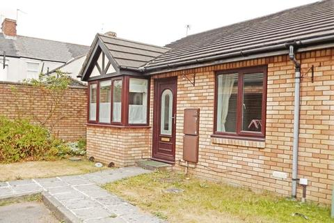 2 bedroom bungalow for sale - Cardigan Street, Canton,  Cardiff