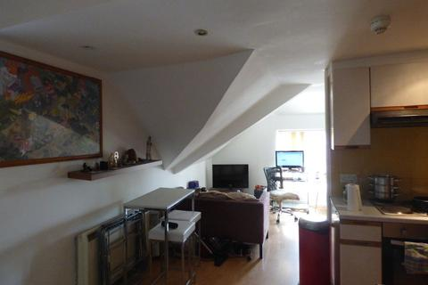 Studio to rent - City Centre, Top Floor Studio, New Bridge Street