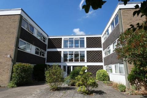 2 bedroom flat to rent - Applecourt