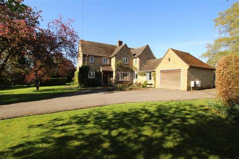 4 bedroom property with land for sale - The Pippins, Radstone Road, Brackley