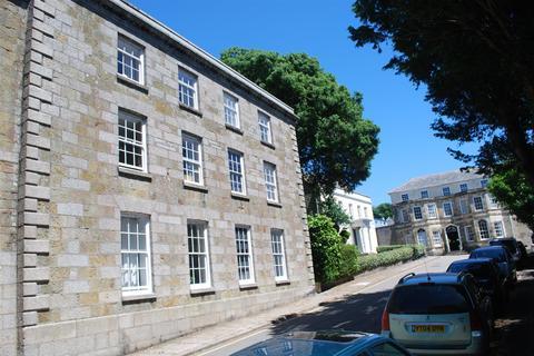 2 bedroom flat to rent - Cross Street, Helston