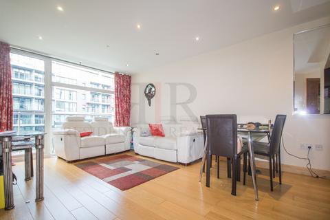 2 bedroom flat to rent - Queenstown Road, London, SW8