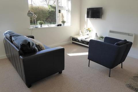 Studio to rent - Pages Gardens, Reading Road, Pangbourne, Reading, RG8