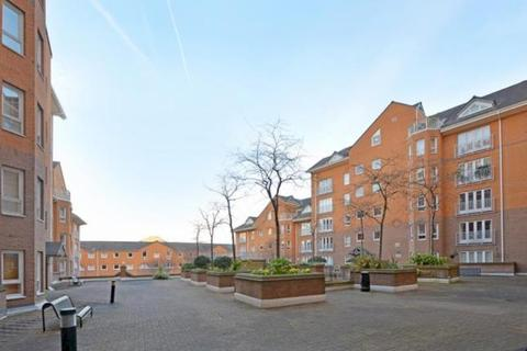 5 bedroom townhouse to rent - Cyclops Mews, Docklands, E14