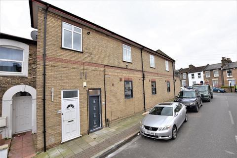 3 bedroom flat to rent - Lugard Road, Peckham, SE15