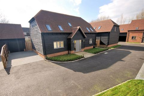 4 bedroom barn conversion for sale - Burwood Court, Weston Turville, Buckinghamshire