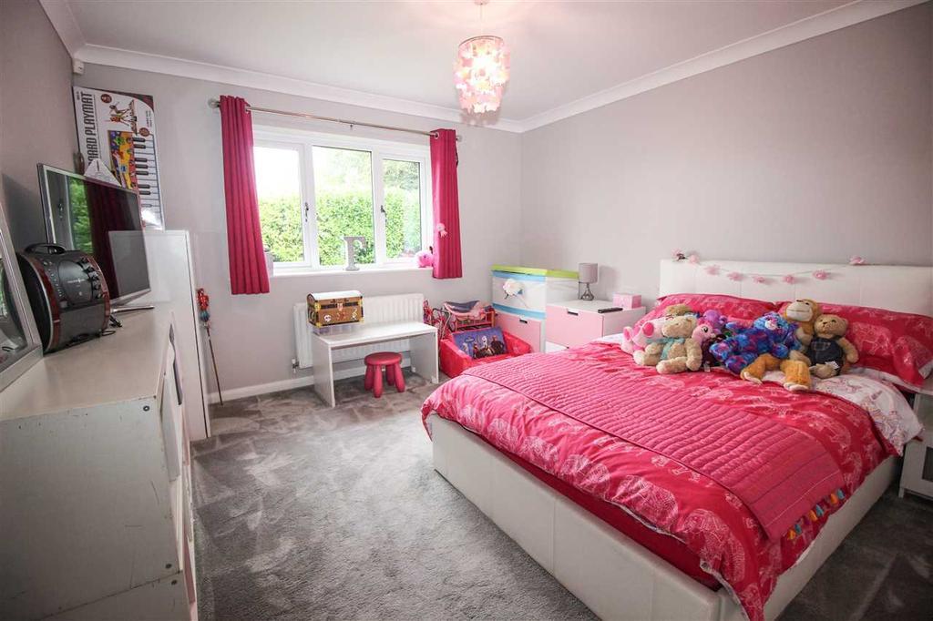 Bedroom 3 ( north west )