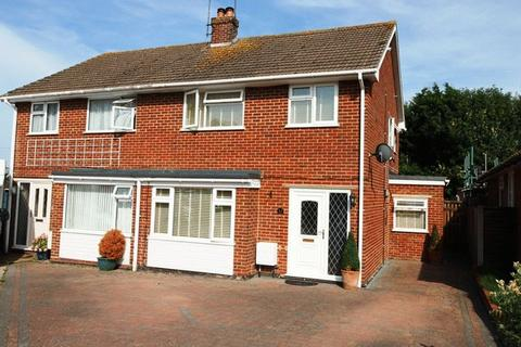 3 bedroom semi-detached house for sale - Melville Lea, Woodnesborough
