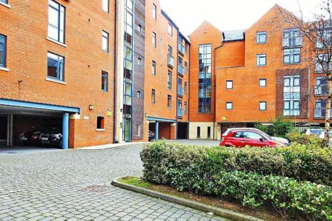 2 bedroom apartment to rent - Trinity Wharf, High Street, HU1