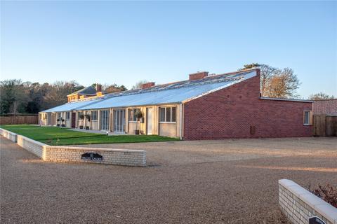 3 bedroom semi-detached house for sale - Sudbourne Park, Woodbridge, Suffolk, IP12