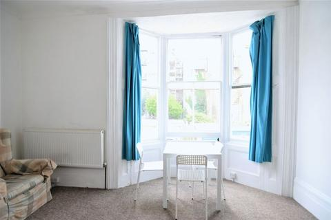 2 bedroom flat to rent - Farm Road, Hove
