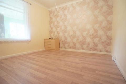 4 bedroom semi-detached house to rent - Lincoln Road, Enfield