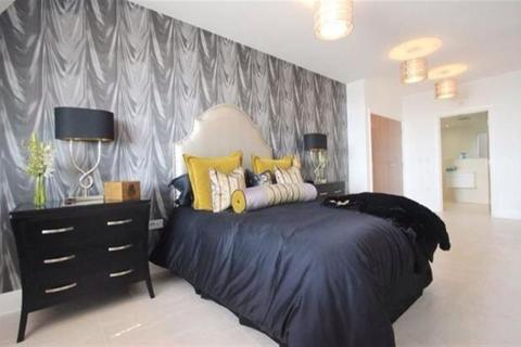 3 bedroom flat to rent - Empire House, Mount Stuart Square, Cardiff Bay