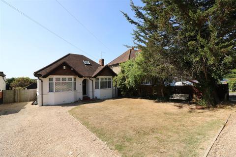 3 bedroom detached bungalow for sale - Bath Road, Calcot, Reading