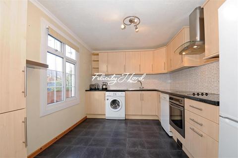 3 bedroom terraced house to rent - Garnet Street, E1W