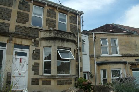 3 bedroom semi-detached house to rent - Cynthia Road, Oldfield Park, Bath