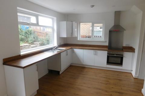 3 bedroom semi-detached house to rent - Milner Ing,  Bradford, BD12