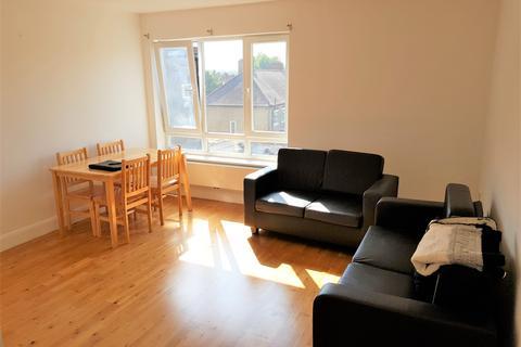 2 bedroom flat to rent - N22