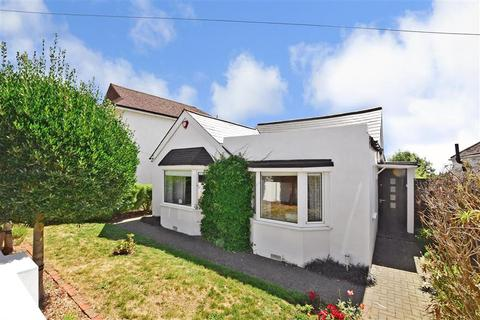 2 bedroom detached bungalow for sale - Midway Road, Brighton, East Sussex