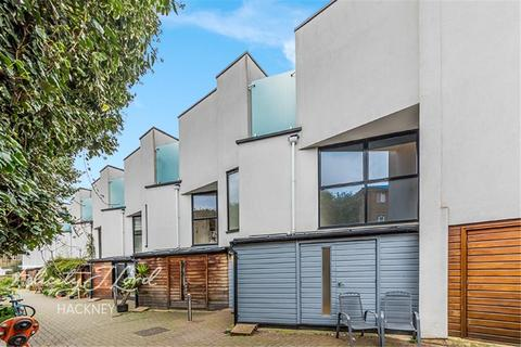 2 bedroom detached house to rent - Brickfield Close E9