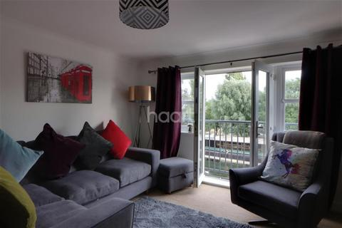 2 bedroom flat to rent - Riverview House