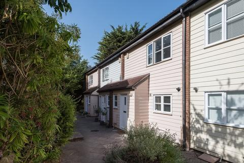 3 bedroom terraced house for sale - Pinewood Close BN1