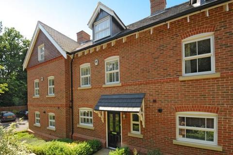 3 bedroom townhouse to rent - Heathlands Place,  Ascot,  SL5