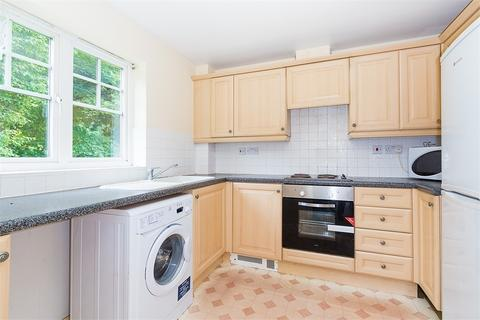 2 bedroom flat to rent - Rutherford Close, Hillingdon, Middlesex
