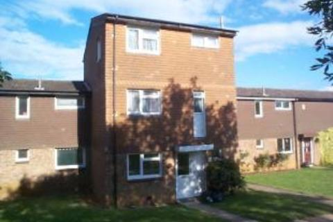 4 bedroom house share to rent - Thatchwell Court,  Northampton, NN3