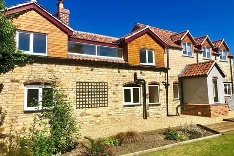 4 bedroom detached house for sale - Harrowby Lane, Grantham, NG31
