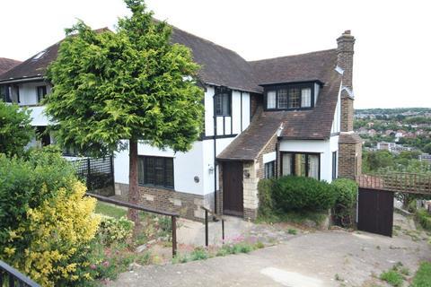 3 bedroom detached house to rent - TIVOLI CRESCENT NORTH, BRIGHTON