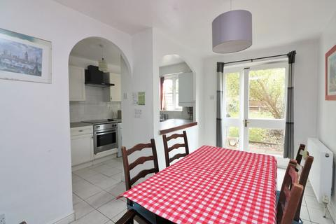 4 bedroom terraced house to rent - Barnsdale Avenue, Isle of Dogs, E14
