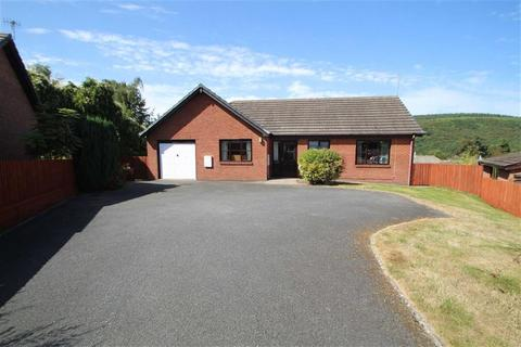 2 bedroom bungalow for sale - Seven Acres, KNIGHTON, Knighton, Powys