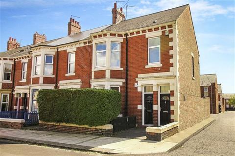 4 bedroom terraced house for sale - Biddlestone Road, Heaton, Tyne And Wear