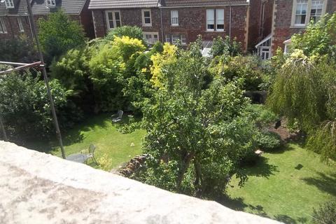 2 bedroom flat to rent - Hurle Crescent - Floor, Bristol