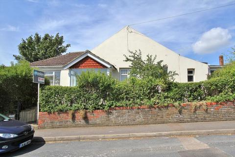 2 bedroom detached bungalow for sale - Warren Road