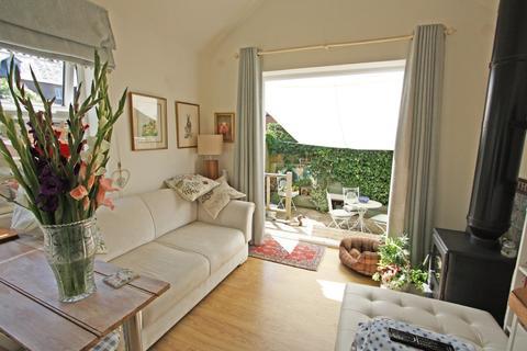 1 bedroom detached bungalow for sale - Hawkhurst