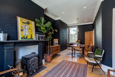 2 bedroom terraced house to rent - Trinity Street, Brighton