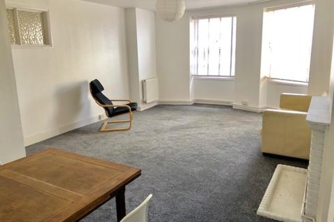 3 bedroom apartment to rent - Marine Parade, Brighton