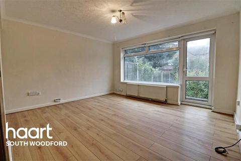 2 bedroom semi-detached house to rent - Smeaton Road, Woodford Bridge, IG8