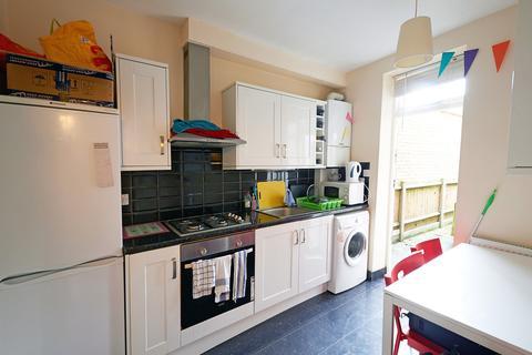 2 bedroom ground floor flat to rent - Gifford Street, Islington, N1
