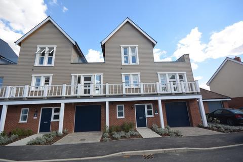 3 bedroom townhouse to rent - Joseph Prentice Way, Chelmsford, Essex, CM1