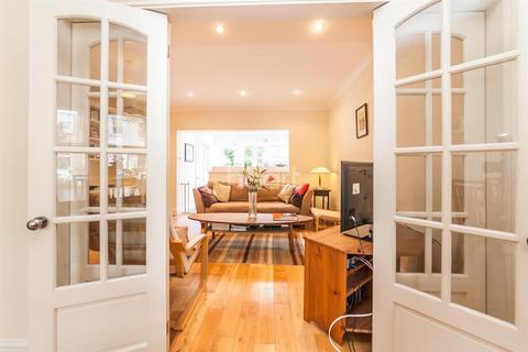 3 bedroom terraced house to rent - Sydney Road, SW20