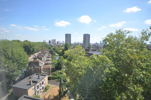 3 bedroom flat to rent - LakeView, Od Ford Road  E3