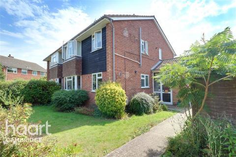 2 bedroom flat to rent - Farringford Close, Cambridge