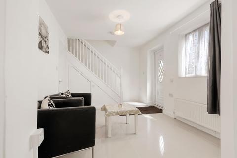 3 bedroom terraced house to rent - Berry Way
